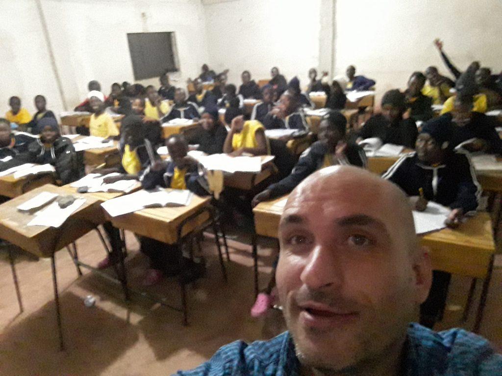 селфи след края на часа по математика в 21:00 вечерта с учениците от 9 класна